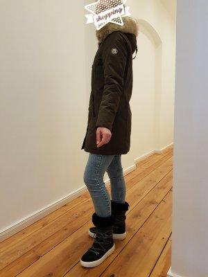 Wintermantel in khaki von No. 1 Como