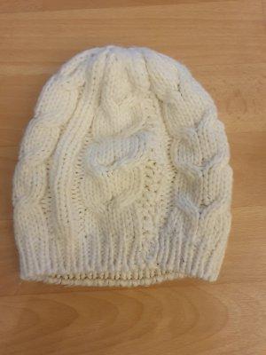 Chapeau en tricot crème laine