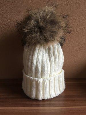 Wintermütze mit Bommel