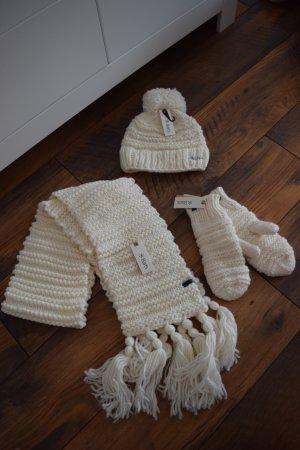 Winterset bestehend aus Mütze, Schal & Handschuhe neu