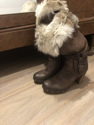 Manas Fur Boots dark brown