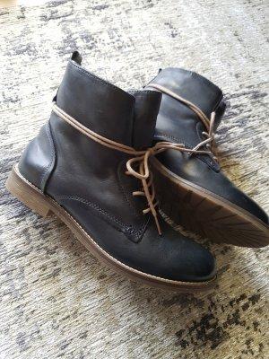 Winterstiefel / Gefütterte Stiefel