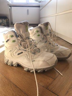 Salomon Winter Boots white