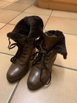The seller Lace-up Booties brown leather