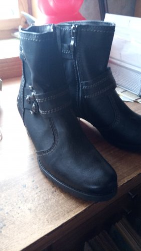 Marco Tozzi Winter Booties black leather