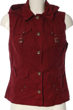 Wissmach Hooded Vest red casual look