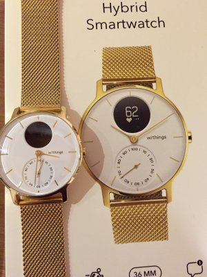 Reloj digital multicolor