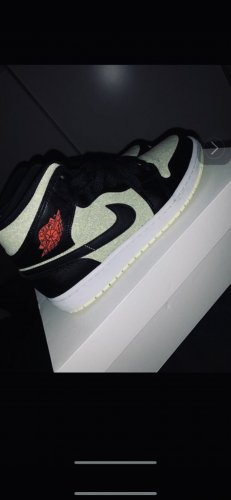 Air Jordan Sznurowane trampki czarny-czerwony