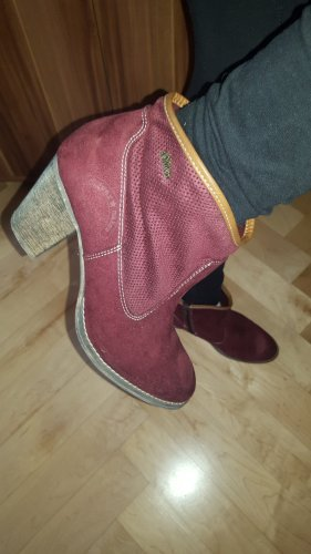 Anastacia by s.Oliver Zipper Booties dark red leather