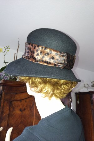 Vintage Woolen Hat black-brown