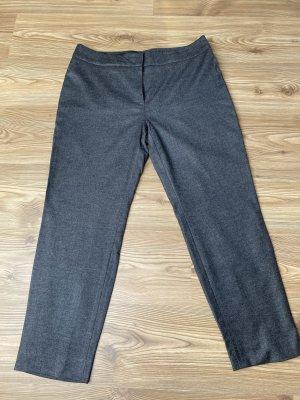 Escada Pantalon en laine gris clair-gris