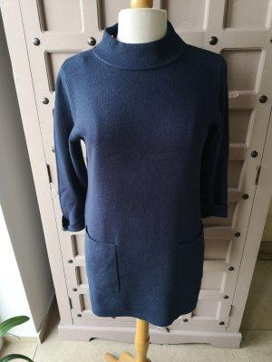 Długi sweter ciemnoniebieski