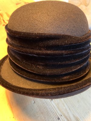 Wełniany kapelusz ciemnobrązowy