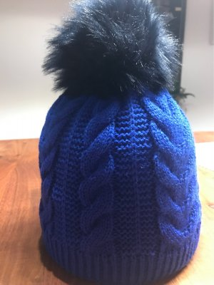 Wollhaube mit Zopfmuster
