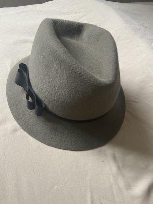 Wełniany kapelusz zielono-szary