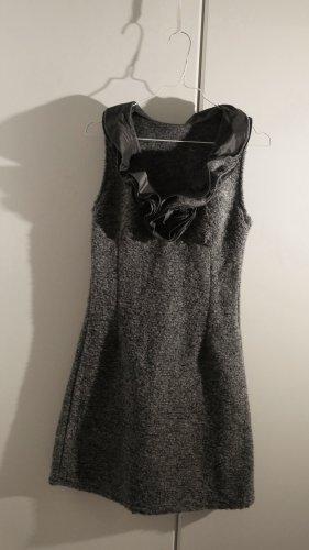 Wollkleid im Casual-Look mit verspieltem Kragen
