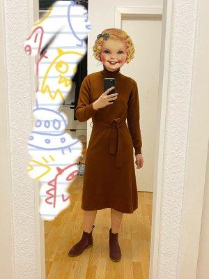 Vestido de lana marrón
