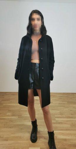 0039 Italy Wełniany płaszcz czarny