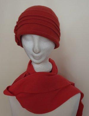 Cappello di lana arancione scuro-salmone