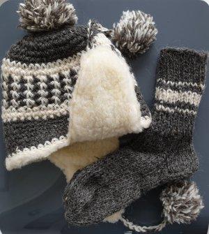 Wollmütze mit gratis Wollsocken