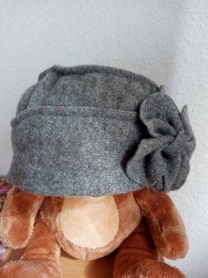 Ohne Chapeau en tricot gris laine