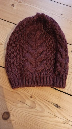 C&A Knitted Hat dark red-carmine