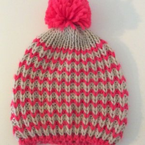 Knitted Hat natural white-magenta