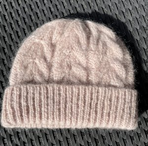 COS Knitted Hat rose-gold-coloured-dusky pink