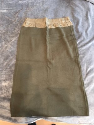 Wełniana spódnica khaki