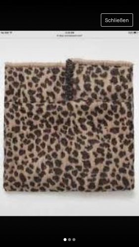 Zara Bufanda de lana marrón oscuro