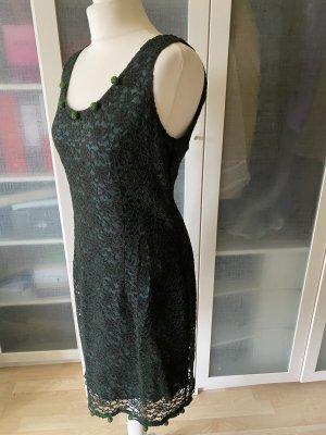 Woman Spitzen Etui Kleid Gr. 44 mit Bommeln