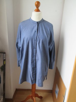 Wunderbare Bluse mit Stehkragen