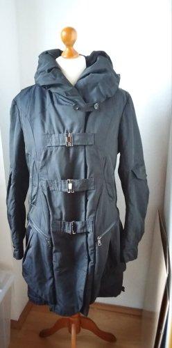 Wunderbarer schwarzer Mantel, Parka Größe 42 mit raffinierten Details