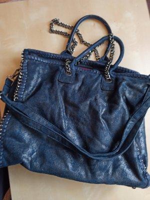 Wunderschöne blaue Tasche Handtasche mit Kettendetails Cross Body Umhängetasche wenig gebraucht!