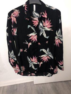 Wunderschöne  Bluse aparte Farben tolles Muster