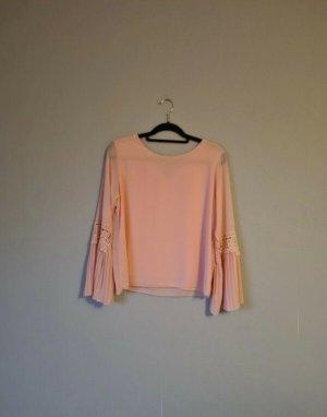 Wunderschöne Bluse mit weiten Ärmeln, lachsfarben, Aprikose