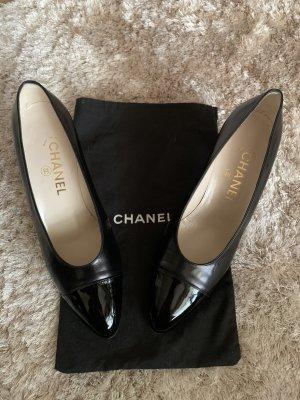 Wunderschöne Chanels mit Lackspitze