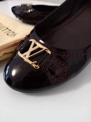 Louis Vuitton Ballerines en cuir verni brun pourpre