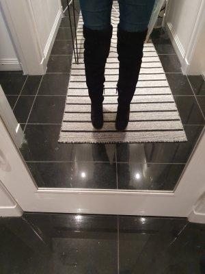 Wunderschöne Echtleder Overknee Stiefel in schwarz