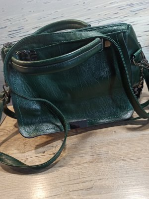 Wunderschöne grüne Tasche mit Nieten Handtasche Cross Body kaum gebraucht!