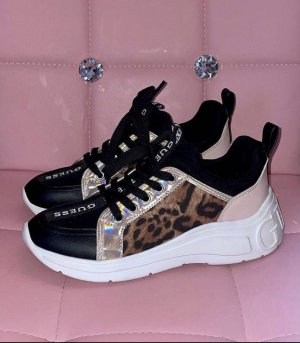 Wunderschöne Guess Sneaker