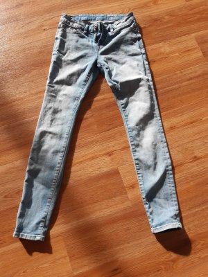 Wunderschöne hellblaue Jeans von EDC Gr.26/30