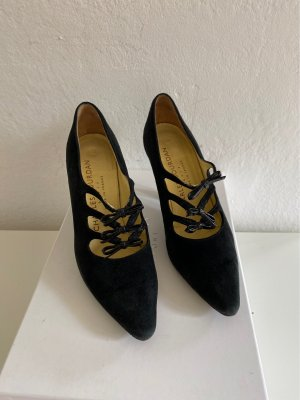 Charles Jourdan Pointed Toe Pumps black leather