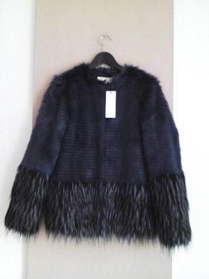 wunderschöne Jacke aus künstlichem Fell, Grösse S, neu
