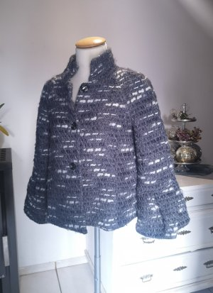 Wunderschöne Jacke von Zara Woman mit Trompetenärmel Gr S warm grau weiß schwarz Cape weite Ärmel Trompeten Winter Winterjacke Jacke Caban Cabanjacke