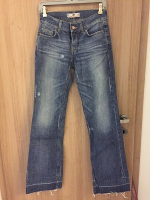 Wunderschöne Jeans der marke Fornarina, Größe 28, tolle Details