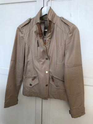 Wunderschöne klassische Massimo Dutti Jacke mit Lederdetails zu verkaufen