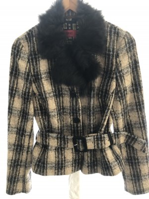 Wunderschöne kurze Jacke von Hugo Boss