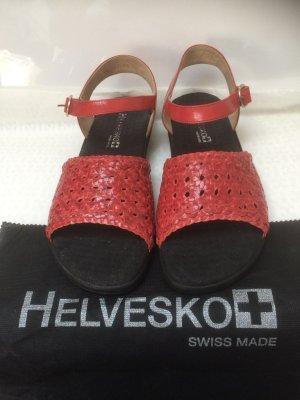 Wunderschöne Leder Sandale  von Helvesko, in rot. Ungetragen.