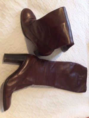 Wunderschöne Leder-Stiefel